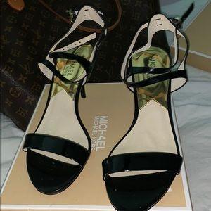 Michael Michael kors black patent 7 1/2 shoes